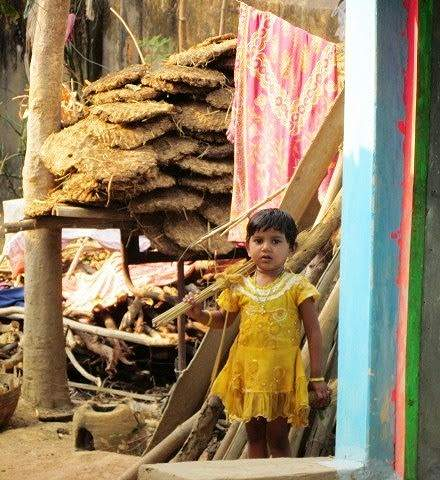 Ready with her broom to clean the house, all of three years old in Nagpur, Maharashtra!