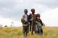 ブルンジの貧困層へ社会保障、アフリカで続く世界銀行の現金給付